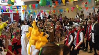 Carnaval op De Borgwal, groep 3 t/m 8!