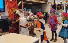 Sinterklaas bezoekt De Borgwal